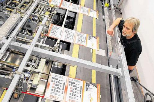 Der Weser Kurier besucht die Kalenderproduktion bei terminic