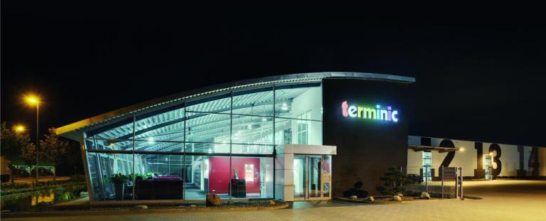 Kalenderhersteller terminic GmbH_Aussenansicht nachts